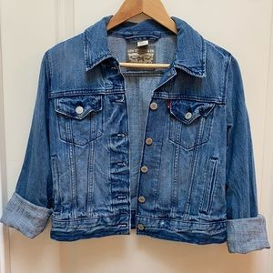 Levi's Cropped Distressed Denim Jacket with Side Pockets Size S